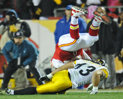 Steelers safety Troy Polamalu suffered concussion-like symptoms after tackling KC\'s Steve Maneri in Sunday\'s game at Arrowhead Stadium. Credit: Peter Aiken/Getty Images